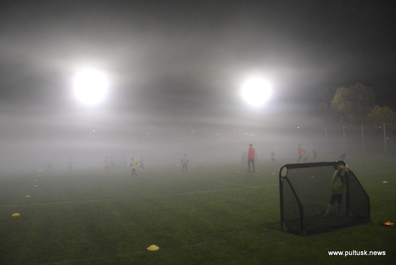 boiska treningowe mają już oświetlenie