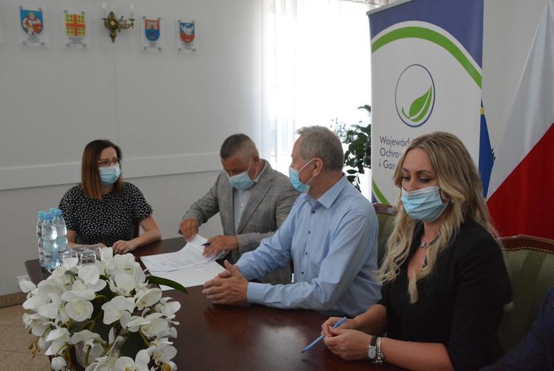 podpisanie umów na dofinasowanie do usuwanie azbestu Wojewódzki Fundusz Ochrony Środowiska w Warszawie